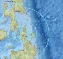 FILIPINAS.- Muchos de los residentes huyeron a lugares de más altura por temor a un posible tsunami. Foto: Redes sociales