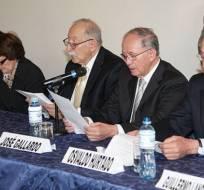 ECUADOR.- El foro cívico Cauce Democrático, integrado por varios exfuncionarios, hace un llamado a que se respalde a Lasso. Foto: Archivo