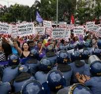 Mujers de todo el mundo celebran el Día Internacional de la Mujer con manifestaciones y protestas para destacar el papel de la mujer en la sociedad. Foto: AP