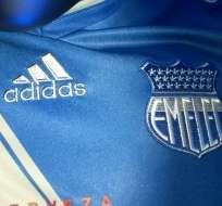 Emelec presentó un tercer uniforme el cual rompe con los colores tradicionales de la institución.