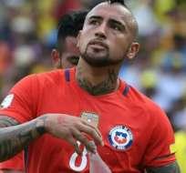 El chileno Arturo Vidal es baja en su selección para enfrentar al combinado de Argentina.