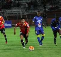 Deportivo Cuenca y Delfín abrieron la fecha 8 del torneo local en el Alejandro Serrano Aguilar.