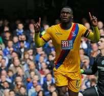 Crystal Palace sorprendió al líder Chelsea y lo derrotó en casa con dos goles en dos minutos.
