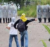 La nueva protesta recorrerá varios puntos de la autopista más importante de Caracas. Foto: AFP
