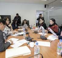 ECUADOR.- La Comisión de Justicia el informe para el primer debate del proyecto de Ley Orgánica para la Aplicación de la Consulta Popular efectuada el 19 de febrero sobre paraísos fiscales. Foto: Asamblea Nacional