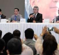 GUAYAQUIL, Ecuador.- El presidente electo mantuvo una reunión con miembros de la pequeña y mediana industria. Foto: Marcos Pin/API.