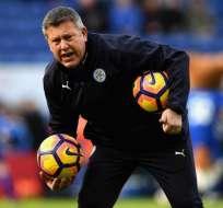 Craig Shakespeare desmintió rumores que lo ponen como responsable del despido de Ranieri.