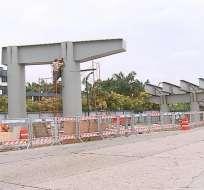 GUAYAQUIL, Ecuador.- Se prevé que el 30 de abril concluyan los trabajos de reconstrucción en esta estructura. Foto: Captura Video.