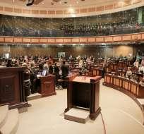 ECUADOR.- Desde tempranas horas de este 19 de abril de 2017, el pleno de la Asamblea Nacional analiza en primer debate el proyecto de Ley para la Aplicación de la Consulta Popular. Foto: Asamblea Nacional
