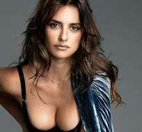La actriz española coincidió con sus dos amigas en la gala de una firma.