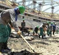 Las personas que trabajan en las obras de los estadios para el Mundial de Catar serán sometidos a revisión médica.