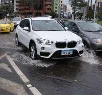 QUITO, Ecuador.- Usuarios de varios sectores de la capital reportan acumulación de agua lluvia al ECU 911. Foto: API
