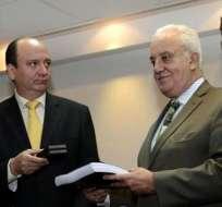 ECUADOR.- Carlos Baca (i) será posesionado este jueves como el nuevo fiscal general del Estado tras la renuncia de Galo Chiriboga. Foto: Archivo