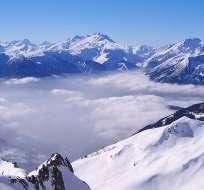 La avalancha se produjo en el sector del Albaron, cerca de la frontera con Italia.