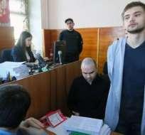 Ruslan Sokolovsky (der.) se había declarado inocente al comienzo del juicio.
