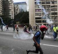 """VENEZUELA.- Según la Fiscalía, la víctima fue impactada """"durante una manifestación"""" en municipio de Pedraza. Foto: AP"""