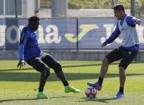 Felipe Caicedo (i.) no seguiría en el Espanyol para la próxima temporada. Foto: Tomada de la cuenta Twitter @FelipaoCaicedo