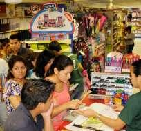 Los negocios deberán vender la mercadería con el 12% a partir de junio y los 2 puntos extras serán considerados como crédito tributario. Foto: Archivo Ecuavisa