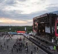 """BERLÍN, Alemania.- Los organizadores pidieron a los presentes que se dirigieran """"de forma ordena y tranquila hacia las salidas"""". Foto: Tomado de DW Twitter."""
