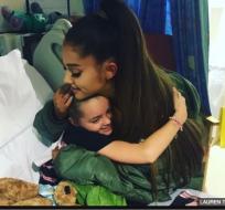 Ariana Grande visitó a sus fans internados en hospital de Manchester. Foto: Tomado de la BBC Mundo