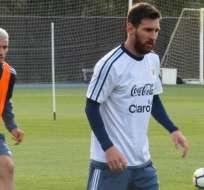 El argentino Lionel Messi ya se encuentra en Melbourne y se puso a las órdenes de Jorge Sampaoli.