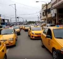 MILAGRO, Ecuador.- Los conductores consideran que hay exceso de automotores irregulares en las localidades. Foto: Captura Video Facebook Click Tv Milagro.