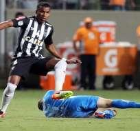 El defensor ecuatoriano Frickson Erazo fue titular en la primera victoria del Atlético Mineiro en el Brasileirao.