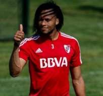 Arturo Mina estaría siendo observado por Vélez Sarsfield, que lo pretendería para la próxima temporada.