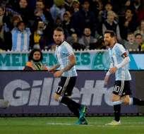 Nicolas Otamendi y Lionel Messi abandonaron la concentración con Argentina para preparar sus respectivas bodas.
