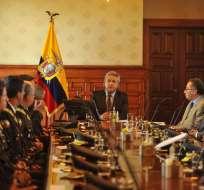 QUITO, Ecuador.- El presidente se reúne con el alto mando militar y policial en el Palacio de Gobierno. Foto: API