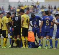 Fuerza Amarilla y Delfín se enfrentaron este domingo en el estadio Nueve de Mayo de Machala. Foto: API