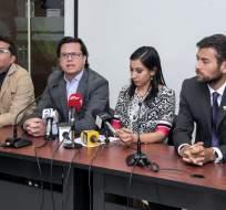 QUITO, Ecuador.- Los legisladores de la bancada de SUMA rechazan la denuncia de la oficialista María José Carrión sobre el Metro de Quito. Foto: Asamblea Nacional