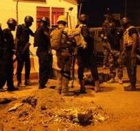 BAMAKO, Malí.- 32 rehenes liberados luego del ataque. Autoridades no especificaron sus nacionalidades. Foto: Tomado de Twitter TeleSurTV.