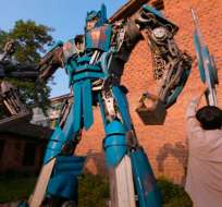 En Hunan, China, un hijo y su padre han sacado a relucir sus habilidades con el metal. Foto: Captura