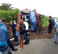 El accidente ocurrió esta mañana en el kilómetro 33 de la vía Santo Domingo-Quevedo. Foto: Cortesía