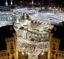 Decenas de miles de fieles estaban reunidos la Gran Mezquita de La Meca. Foto: abc.es