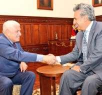 El mandatario y el titular del Cabildo cuencano se reunió esta tarde en Carondelet. Foto: Twitter @Lenin