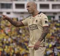 El delantero argentino Ariel Nahuelpan fue muy crítico contra el árbitro Roddy Zambrano.
