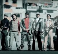 La música y la alegría de la banda ambateña regresó a los escenarios. Foto: Captura Youtube.
