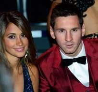 Lionel Messi se casa con su pareja Antonella Roccuzzo en su natal Rosario, Argentina.