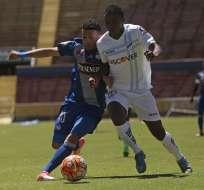 Universidad Católica y Emelec empataron a un gol en el estadio Olímpico Atahualpa.