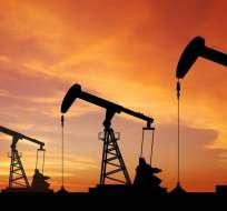 INTERNACIONAL.- Un acuerdo, suscrito en 2016, recortó la producción en 1,8 millones de barriles diario. Foto: Archivo