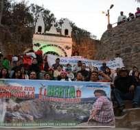 Esta foto de archivo tomada el 5 de marzo de 2017 muestra a miembros de organizaciones étnicas y sociales que se reúnen para exigir justicia a la ambientalista indígena Berta Cáceres en La Esperanza, Honduras, un año después de ser asesinada. Foto: AFP