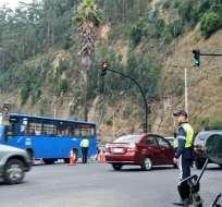 QUITO, Ecuador.-Autoridades intentar frenar los índices de accidentabilidad en la capital con operativos. Foto: Twitter AMT.