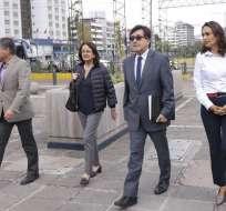 Montúfar llegó esta mañana a la Fiscalía para presentar una nueva denuncia penal contra el Vicepresidente Glas. Foto: API
