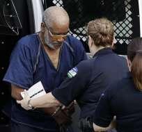 Las autoridades estadounidenses imputaron al chofer del camión hallado con migrantes. Foto: AP