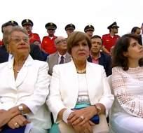 GUAYAQUIL, Ecuador.- De izquierda a derecha, Blanca Salazar Bautista y Rosa Amelia Alvarado Roca, galardonadas con la Presea al Mérito Cultural. Foto: Captura Video Facebook.
