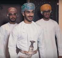 Jóvenes en Omán usaron el ritmo de la canción para realizar una parodia de la dote. Foto: Captura de Video.