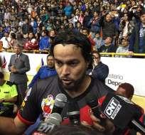 El ecuatoriano Jaime Iván Kaviedes fue ovacionado en el coliseo Jefferson Pérez en Cuenca.