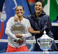 La italiana Roberta Vinci (izq.) fue finalista del US Open en 2015 quedando vicecampeona.